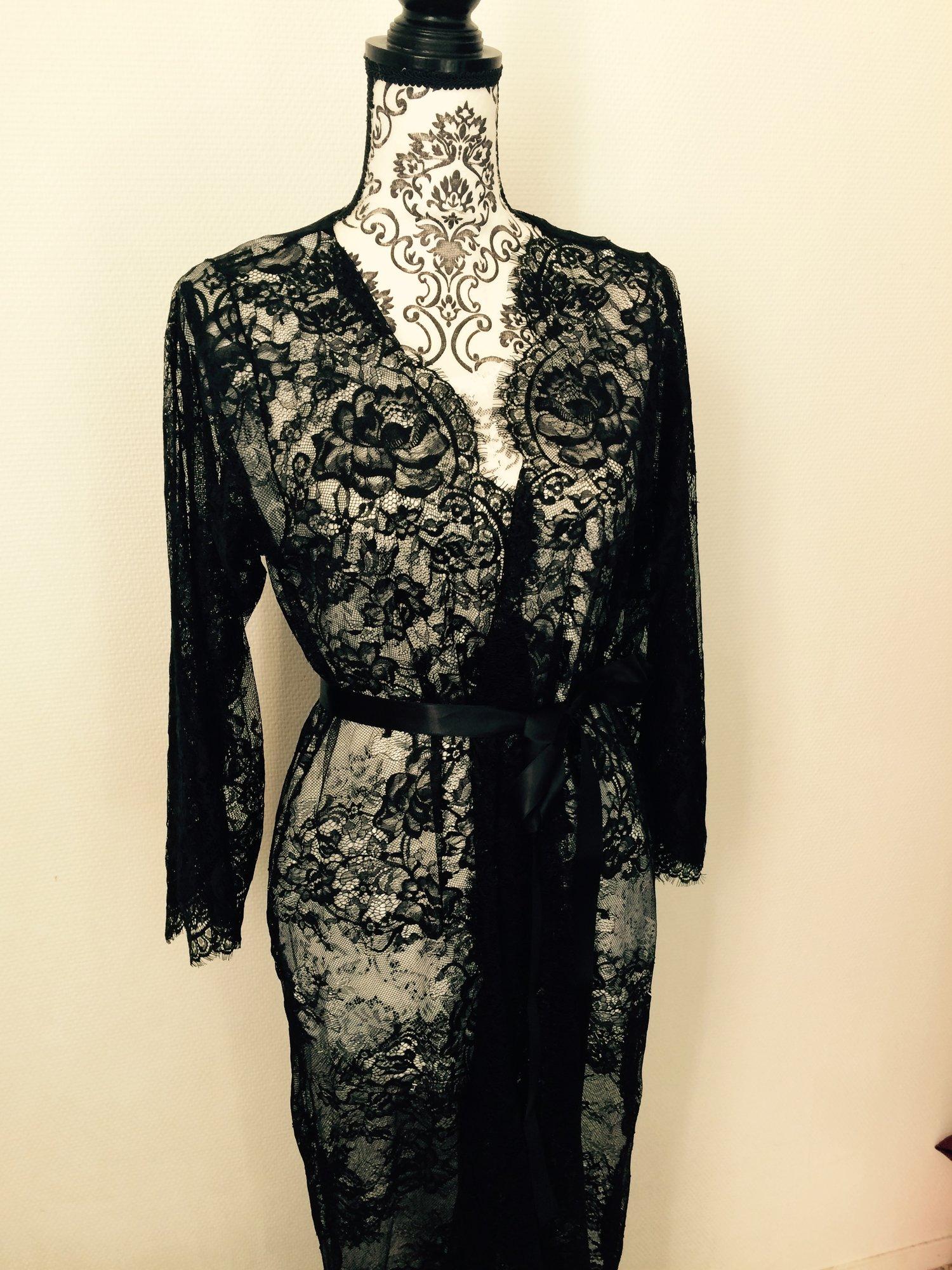 008bef4c9 Eva lace robe - long lace robe - black chantilly lace — Mes Petites ...