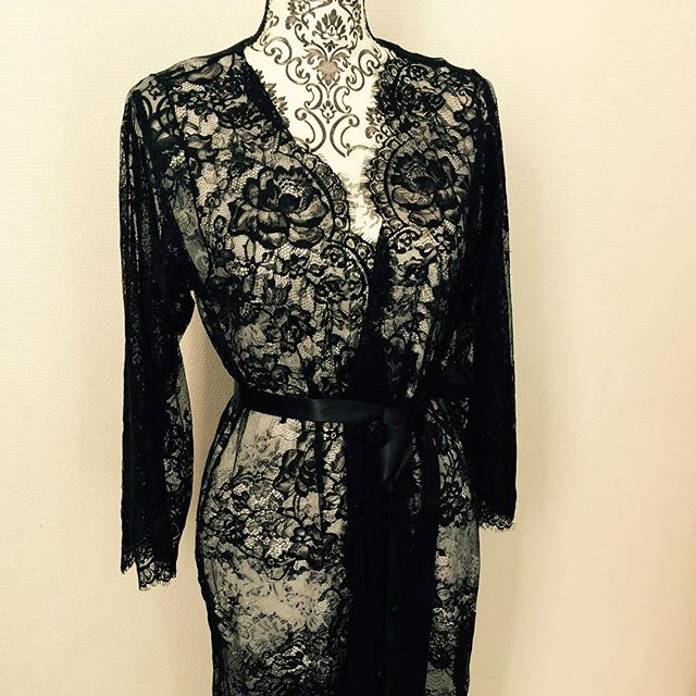 The Eva lace robe in black . #lacerobe #blacklacerobe #lace #blacklace #mespetitesdentelles