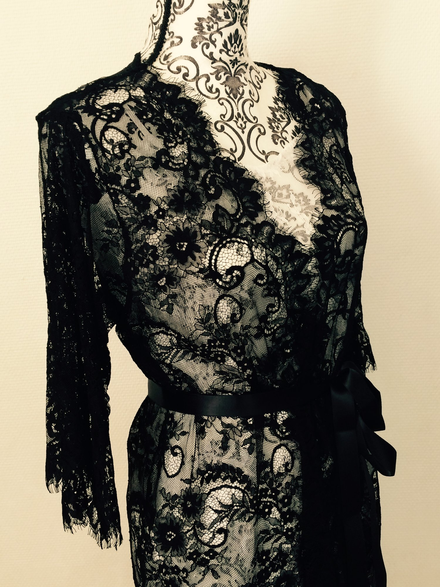 READY TO SHIP   AMELIA lace robe - Black Chantilly lace robe - bridal lace  robe - lace kimono - STYLE 215 49e919a5a