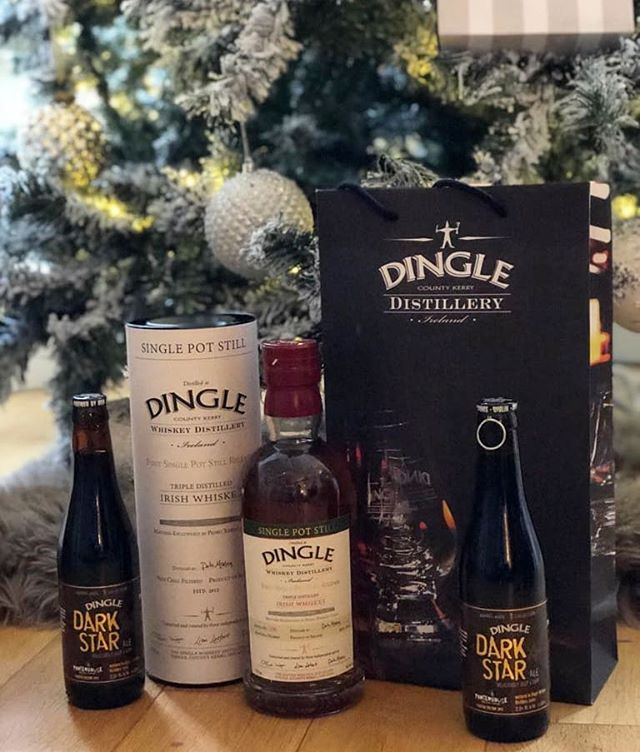 Single Pot Still whiskey by @dingledistillery the first of it's kind! I was so pleased to get one of these having loved it when sampled in @thedinglewhiskeybar and Whiskey live 2017 it is my favourite of the Dingle portfolio so far with warm spiced orange notes and fresh baking aroma, very woody and malty. The dark star aged in Dingle Whiskey barrels by @theporterhousebrewco is the best beer I tried over Christmas too (tied with harmonic convergence) hope you all had a Happy Christmas, I don't need to tell you I did #dinglewhiskey #dingledistillery #singlepotstill #irishwhiskey #madeinKerry #dinglewhiskeybar #porterhouse #barrelagedbeer #barleywine #irishcraftbeer #Christmasbeer #Christmaswhiskey #beerwithwhiskey #jamiesbeertalk