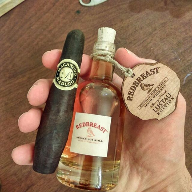 Last day before back to work ...has to be Macanudo! And why not a drop of Redbreast with that ...and Unertl 😏