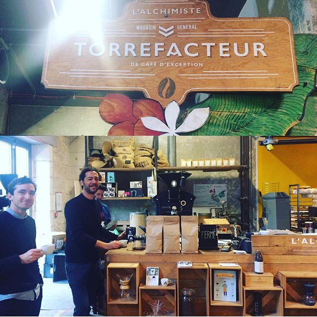 Last week we had the chance to say hi to @lalchimiste_torrefacteur in Bordeaux ✌️☕️ you should definitely visit them at @magasin.general if you're around! ----- #coffeeroaster #bordeaux #specialtycoffee #artisantorrefacteur #darwin