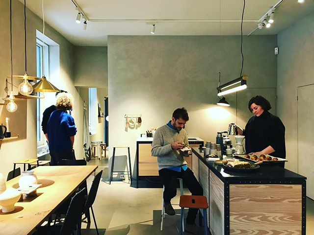 Every Saturday @lene_klovning pours V60s and makes amazing pastries at @kollektedby ☕️🍰⚡️ come taste them if you're around! ••• #oslo #designandcoffee #v60 #pastries #designstore #grünerløkka #new #specialtycoffee #coffeeplace #coffeeroaster @coffee101oslo