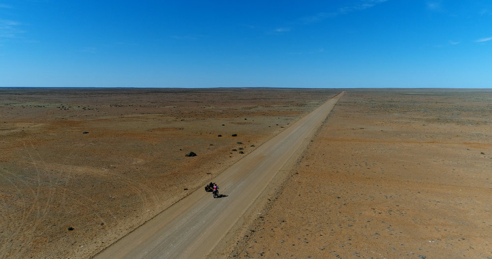 Somewhere south of Kati Thanda/Lake Eyre (c) Matthew Newton