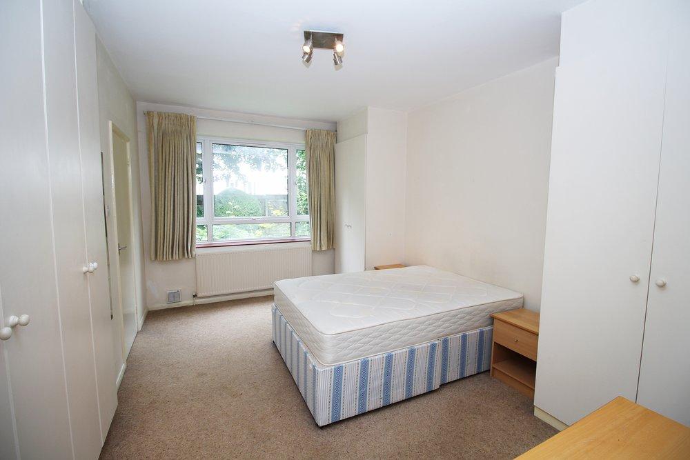 2nd bedroom 04.jpg