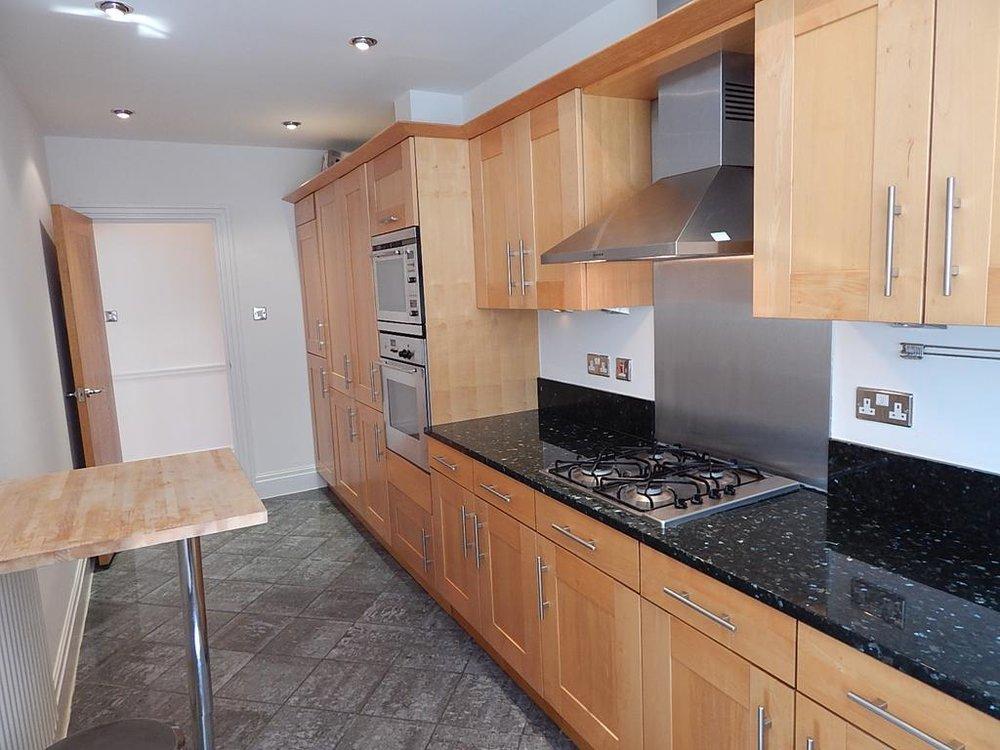 4 kitchen new.jpg