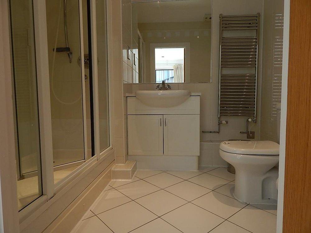 7 en suite bathroom new.jpg