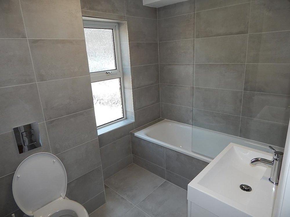 2 bathroom.jpg