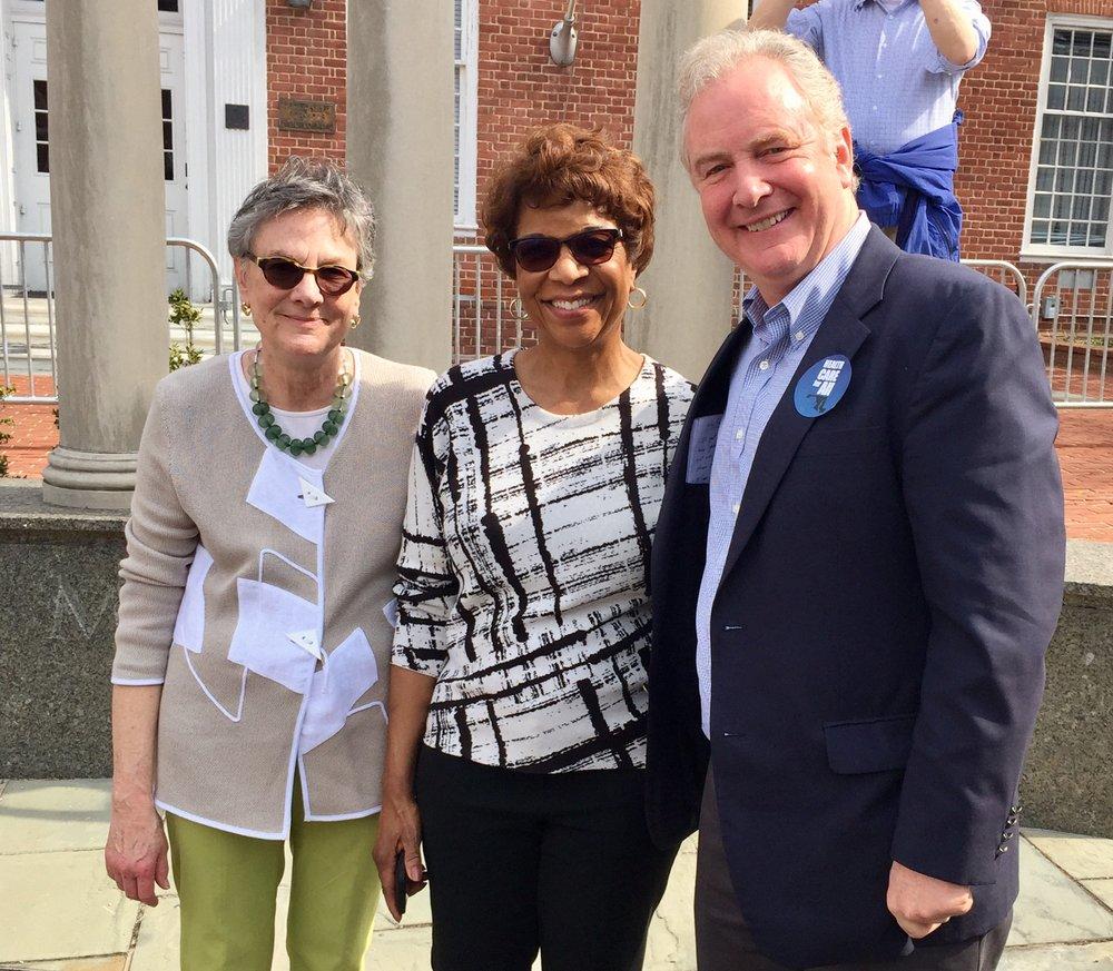 (L-R): Consumer Health First President, Leni Preston; Action Not Anger, Yvette Lewis; US Senator Chris Van Hollen
