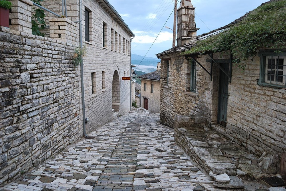 Vitsa    Vitsa  is a traditional village in the centre of Zagori, close to Ioannina just 39 Klm.  The houses and the churches , which are built according to the traditional architecture of the area are connected by uphill cobbled paths.