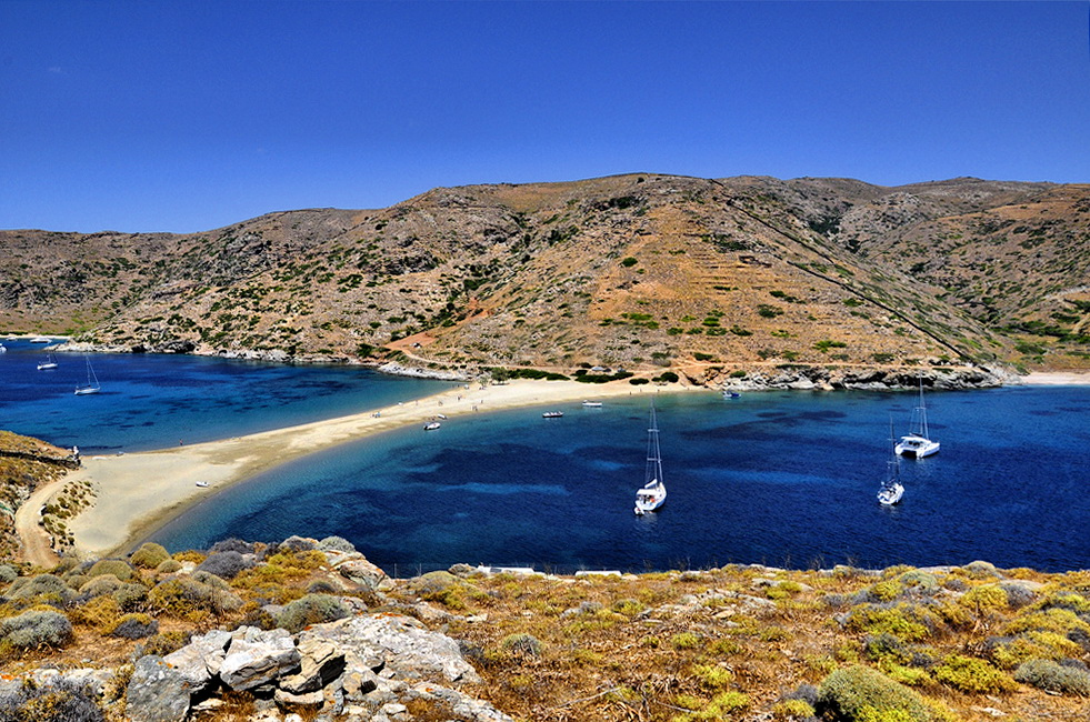 Flykada-beach-Kythnos-Photo-by-S.-Lambadaridis.jpg