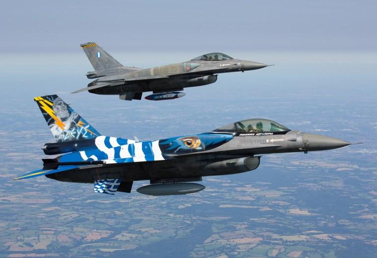 Zeus-2-F-16-Zeus-Formation-RIAT-2015-1.jpg