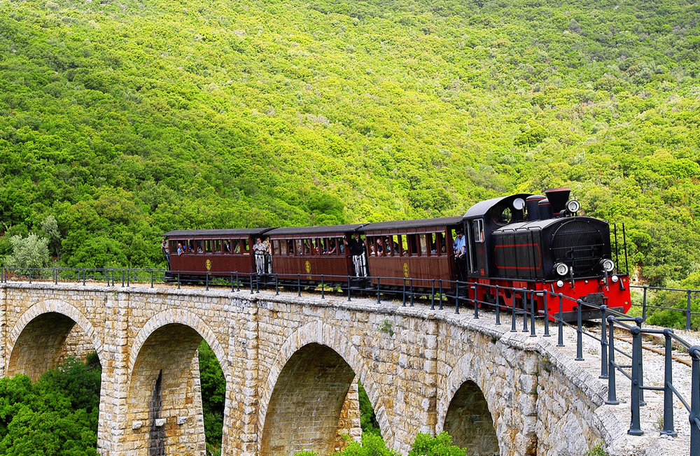 train-pelion1.jpg
