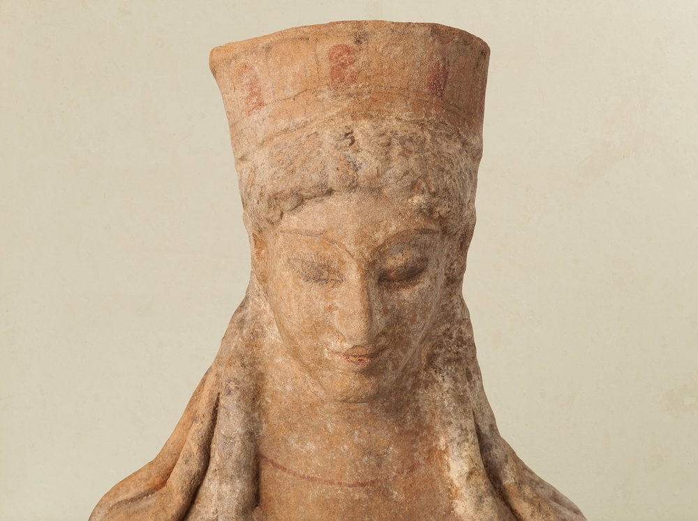 Terracotta Enthroned Kore Goddess Credit Kallos Gallery Steve Wakeham.jpg