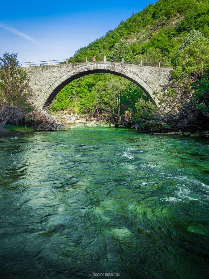 Kagelia stone bridge.jpg