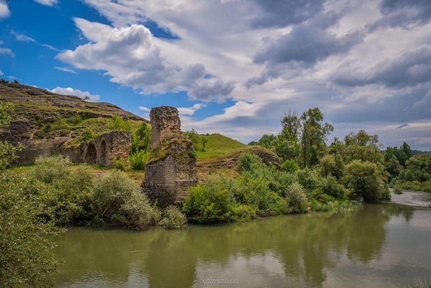 Ruins of Pasha stone bridge.jpg