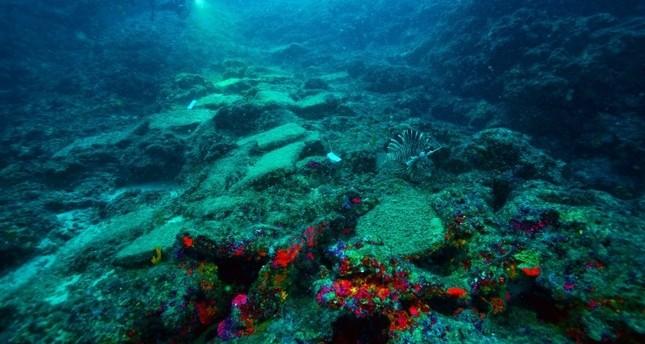 645x344-turkish-archaeologists-discover-worlds-oldest-bronze-age-shipwreck-off-antalya-coast-1554803747994.jpg