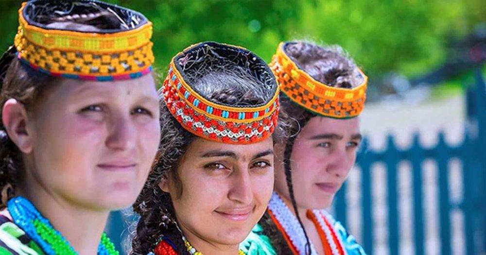 Distinctive-Kalash-People-of-Pakistan.jpg
