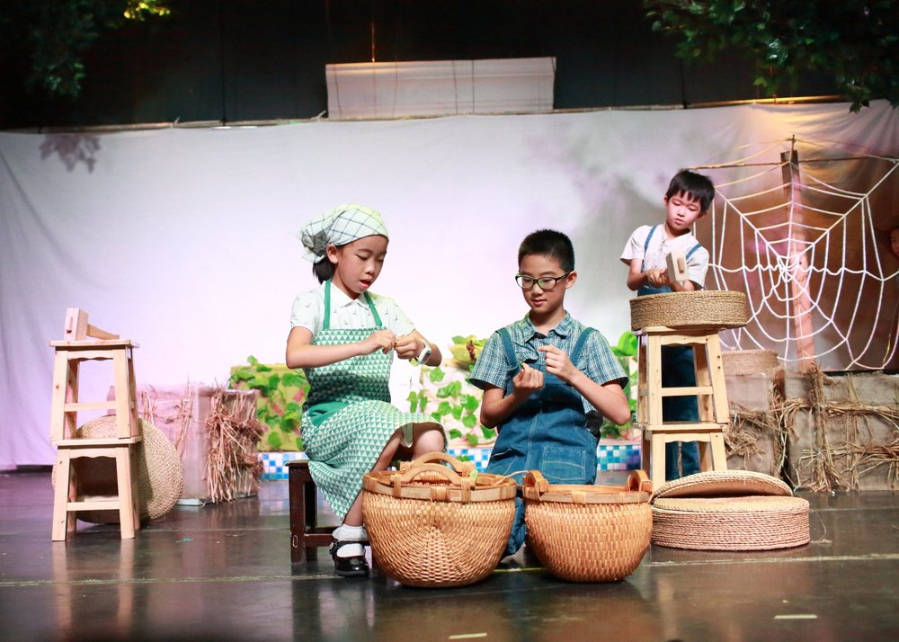 CHARLOTTE'S WEB - Ease DramaNorth Zhanglei Theatre  Beijing, ChinaGrade 4 Chinese StudentsJuly, 2017