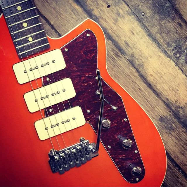 Reverend Jetstream 390 in Rock Orange  #reverendguitars #reverend #jetstream390 #jetstream #p90 #wilkinson #korina