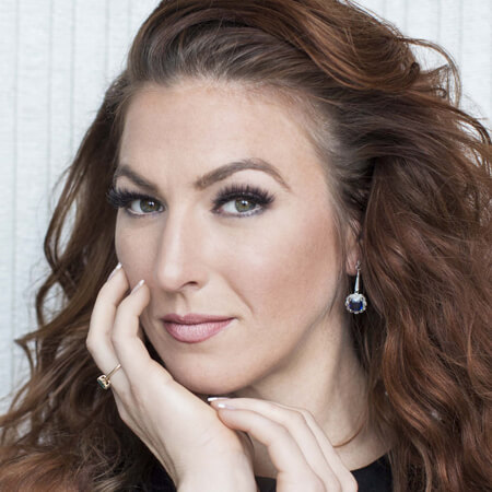 Jennifer Cherest, soprano