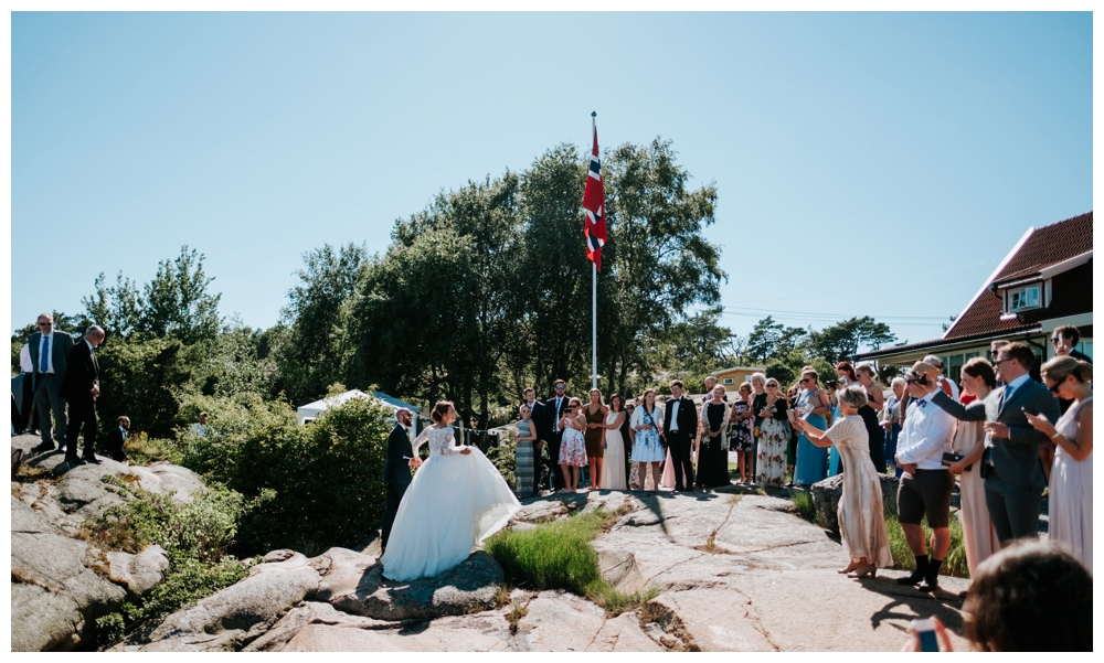 therese+thomas_juli2016_2072_wedding photographer norway.jpg