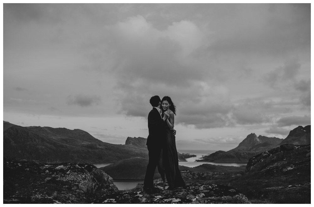 wedding elopement lofoten norway giskehaug_0043.jpg