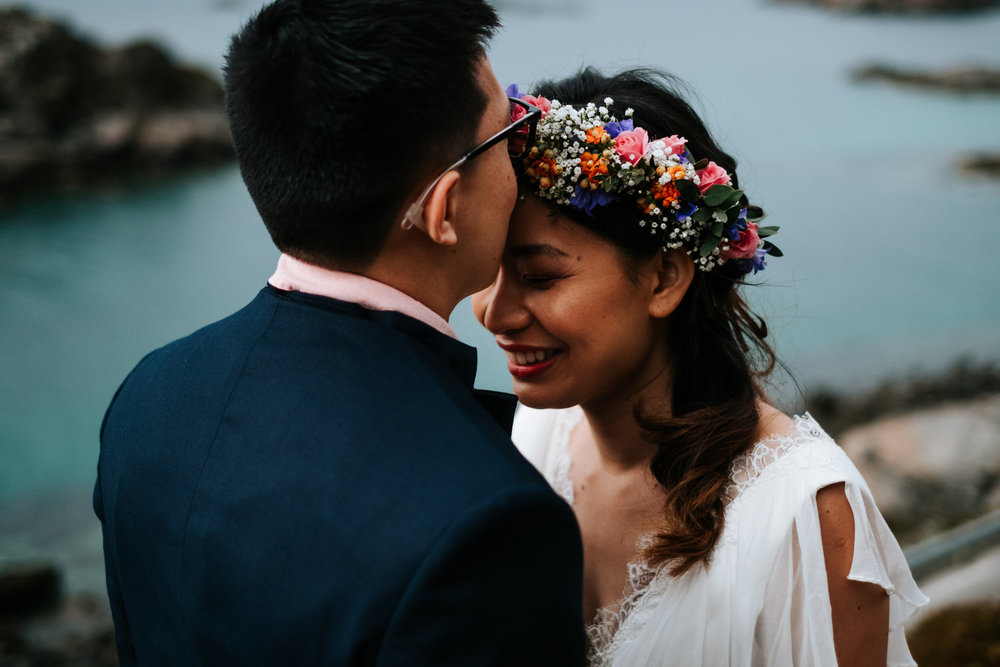 Candid moment elopement Norway