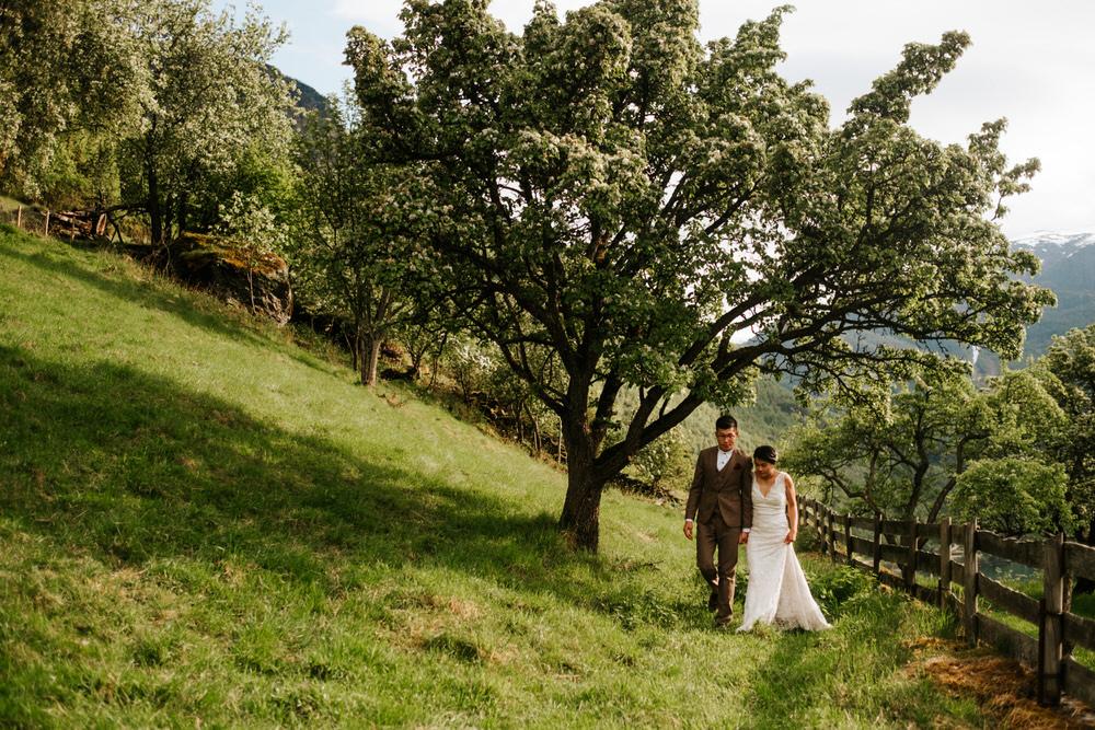 weding elopement western norway aurland 12.jpg