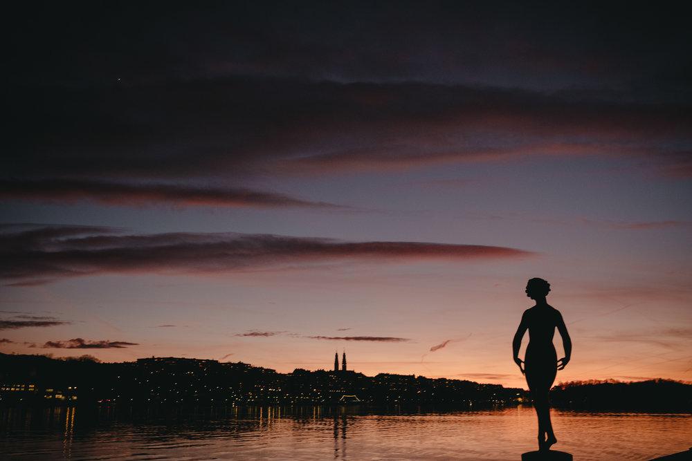 brollopsfotograf stockholm_brollopsfotografering stockholm stadshus_borgerlig vigsel_victor lopez_vigselforrattare_linda rehlin_cecilia pihl-4.jpg