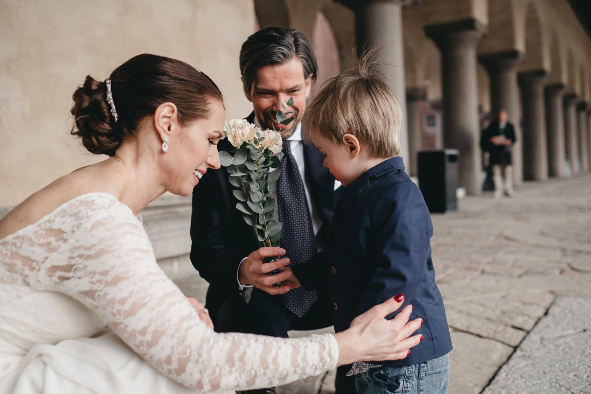 aa846437e634 brollopsfotograf stockholm stadshus, bröllop i stadshuset, vigsel i stockholm  stadshus, borgerlig vigsel fotograf
