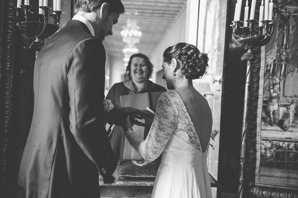 brollopsfotograf stockholm stadshus, bröllop i stadshuset, vigsel i stockholm stadshus, borgerlig vigsel fotograf, bröllopsfotograf stockholm stadshus
