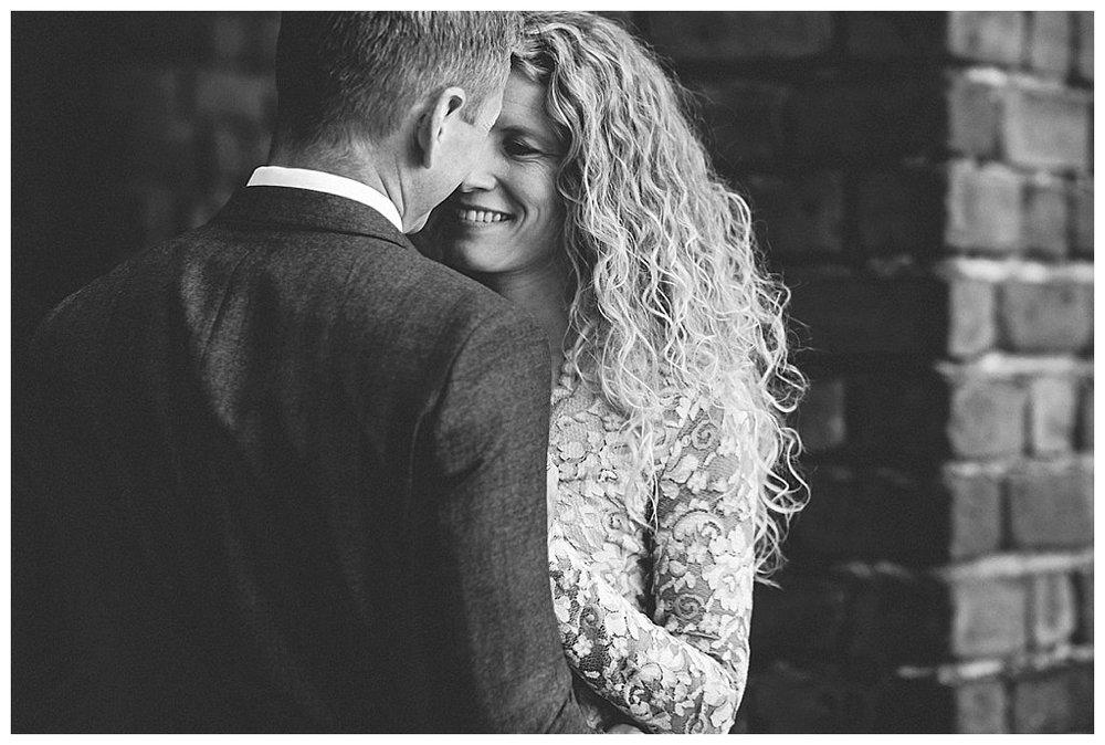 bröllopsfotograf stockholm stadshuset, bröllop i stadshuset, bröllopsbilder, vigsel i stadshuset, borgerlig vigsel, linda rehlin, cecilia pihl, bröllop stadshuset pris