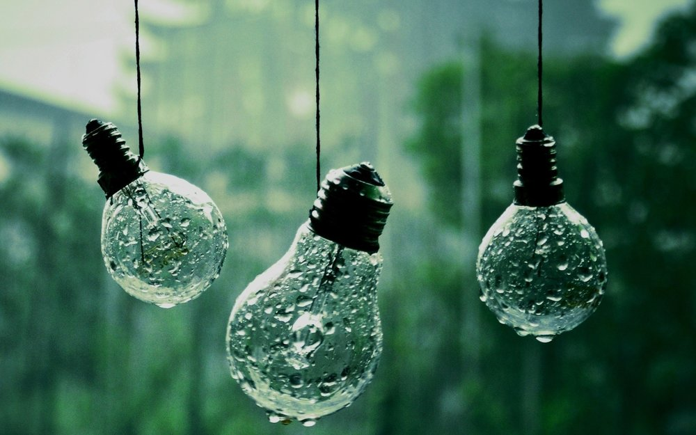 Wet-light-bulbs-HD-wallpaper.jpg