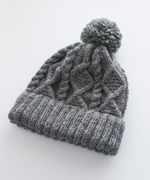 My knitting skill is nowhere perfect, but especially when it comes to aran knits, I think hand knitted ones are the best.