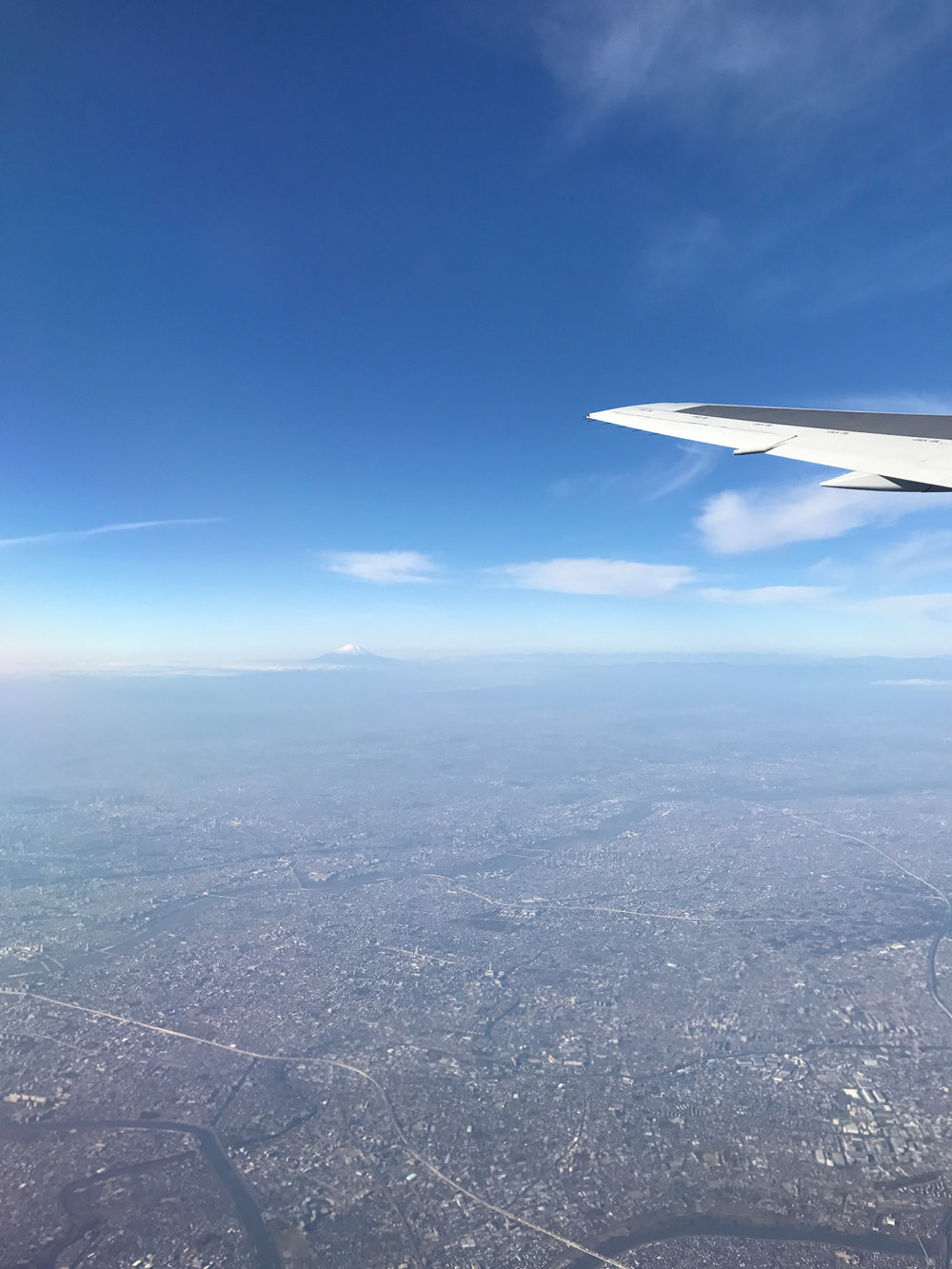 Haneda to Shin-Chitose air port! Can you spot Mt. Fuji?