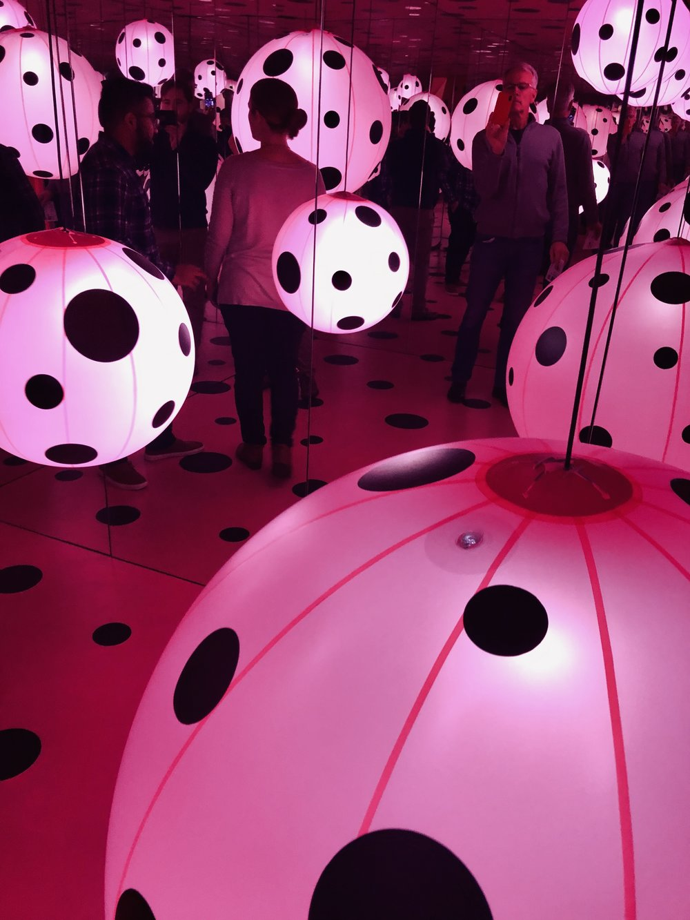 pink dots Kusama 2
