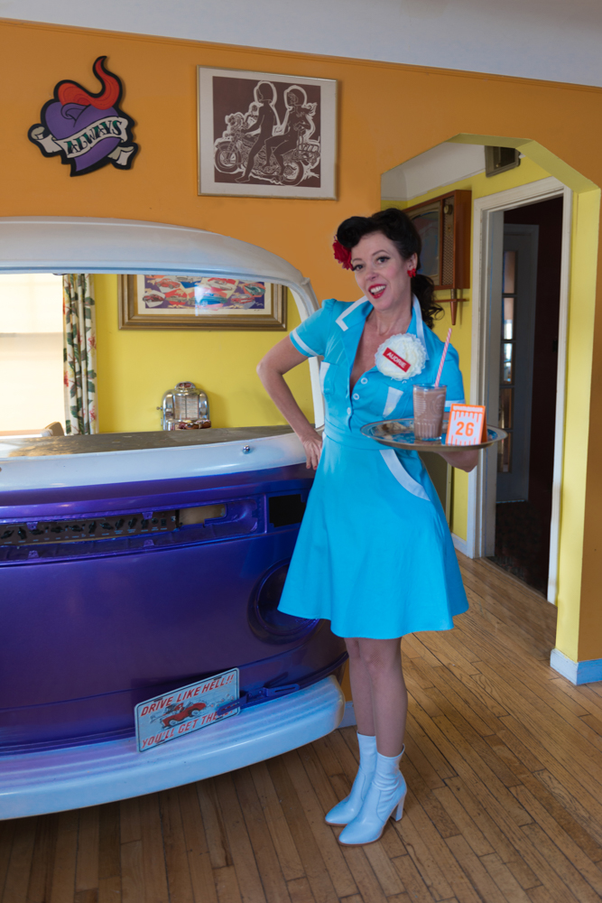 pinup-vintage-waitress-lisa-villella-photography-blog-7.jpg