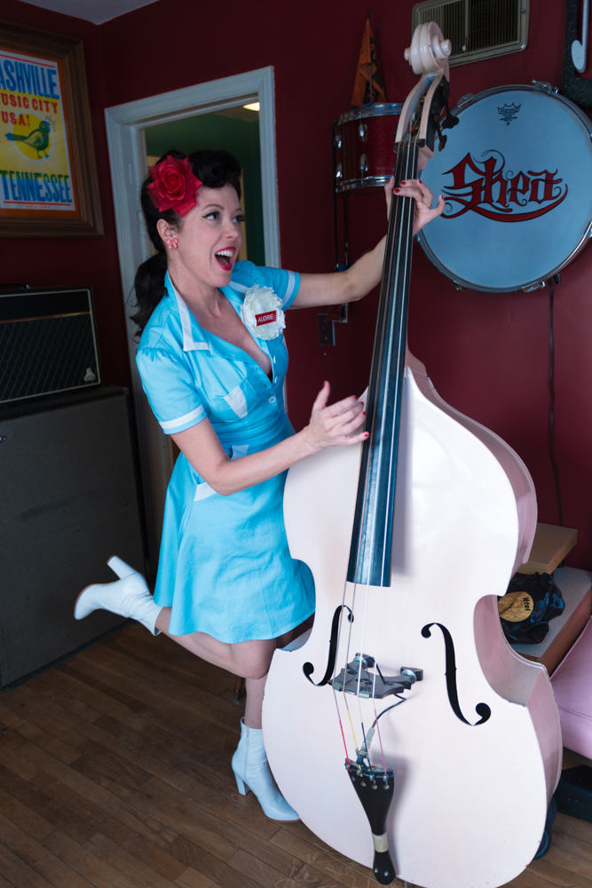 pinup-vintage-waitress-lisa-villella-photography-blog-11.jpg