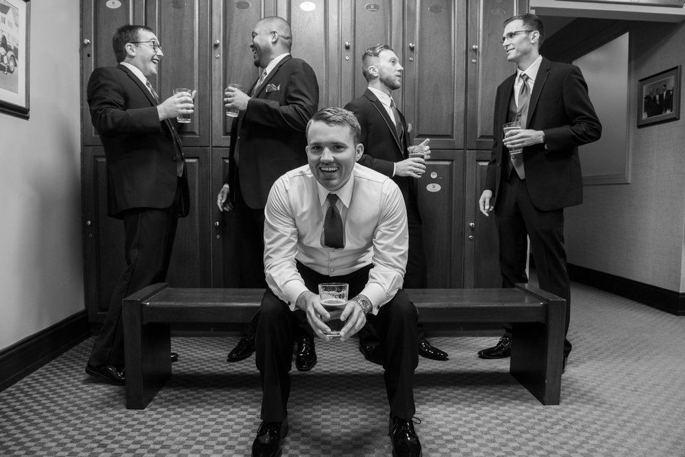 Groom-Groomsmen-metro-detroit-wedding-photographer-lisa-villella-photography