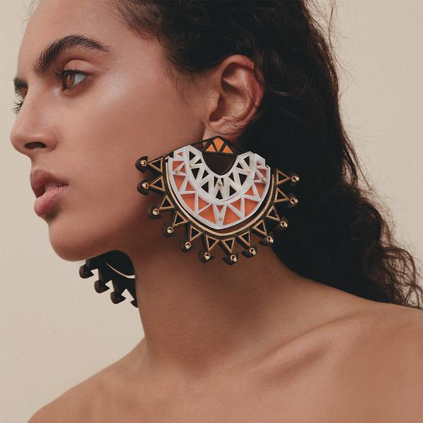 simba_statement_earrings_4_grande.jpg