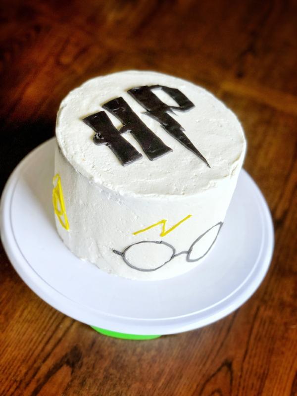 Harry Potter Vanilla Cake