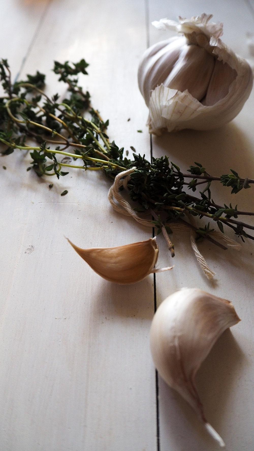 thyme & garlic chicken pie