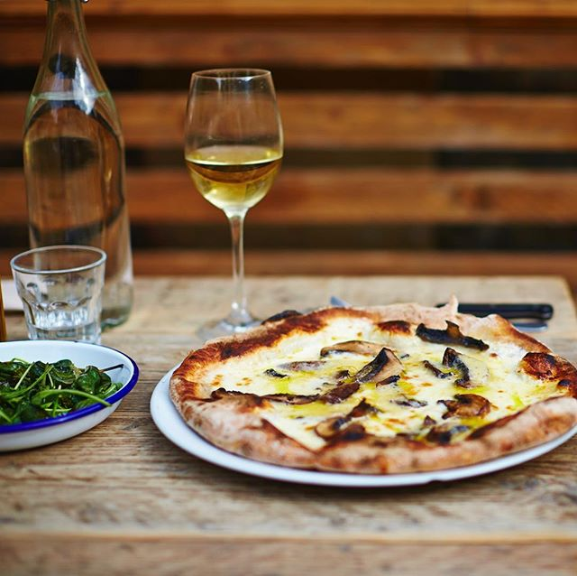 Bank Holiday Monday...yes that gives you the perfect excuse to treat yourself to pizza and a glass of wine. If you eat in and order after 7pm receive 50% off any pizza. The perfect way to end the bank holiday. #neapolitanpizzapizza #truffleoil