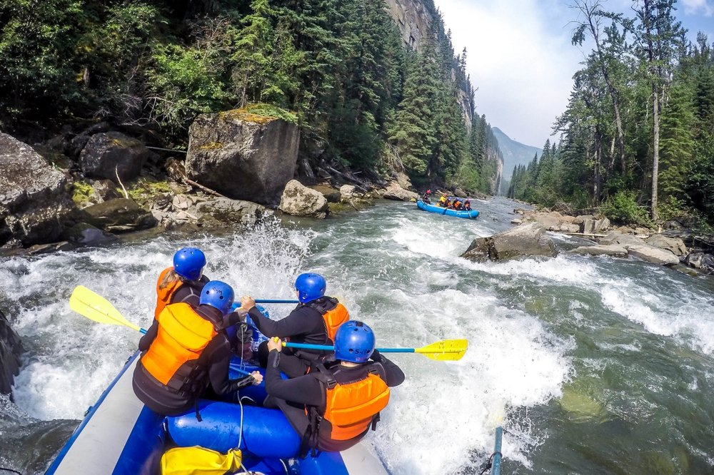 Canyon Whitewater - A FUN PARTY OF TEAM PADDLINGAND STELLAR SCENERY!Class 2/3 - Beginner/Intermediate