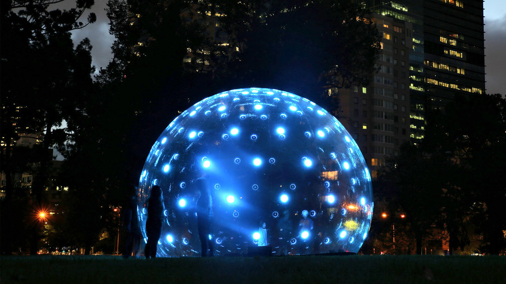 ENESS Light Bubble white night melbourne 01.jpg