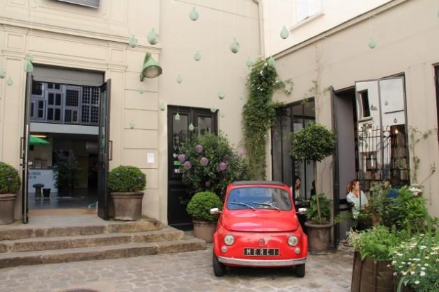 Iris_Travel_ShoppingGuideParis.jpg