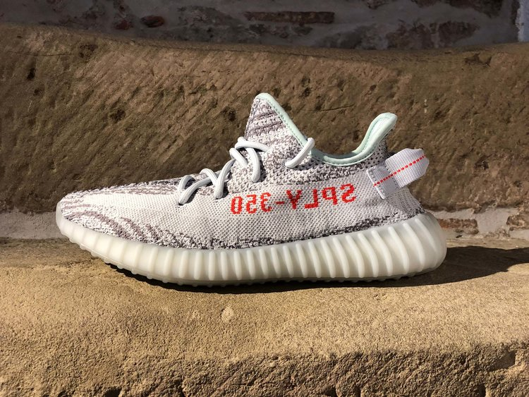 """Real VS Fake Comparison: Yeezy Boost 350 v2 """"Blue Tint"""
