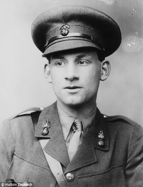 Siegfried Sassoon: the University of Cambridge has digitized a collection of Sassoon's  war diaries .