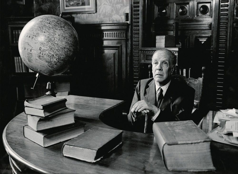 Jorge Luis Borges in the Biblioteca Nacional, 1971. Photographer: Eduardo Comesaña, courtesy of  The National Museum of Fine Arts of Argentina